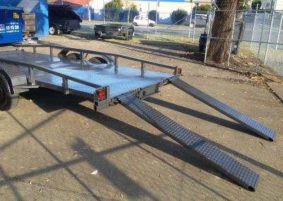 14x6.6 car trailer with rails (3)